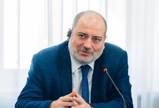 Роман Гришенин